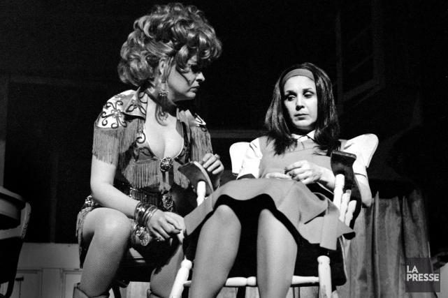 Luce Guilbeault (Carmen) et Rita Lafontaine (Manon) dans... (PHOTO ANDRÉ CORNELLIER, ARCHIVES LA PRESSE)