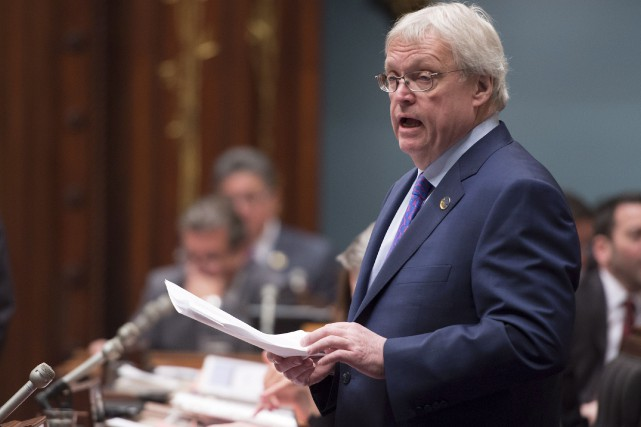 Le ministre Gaétan Barrette s'est plaint, mercredi, de l'attention médiatique accordée... (La Presse Canadienne, Jacques Boissinot)