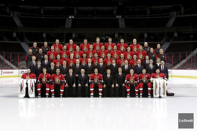 C'était le jour de la traditionnelle photo d'équipe... (Patrick Woodbury, LeDroit)