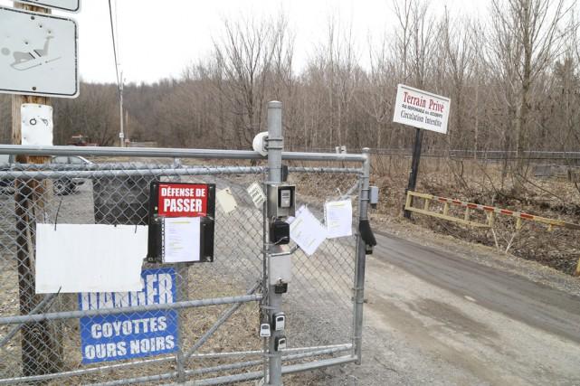 Une barrière bloque actuellement l'accès au chemin Jodoin... (Photo Janick Marois)