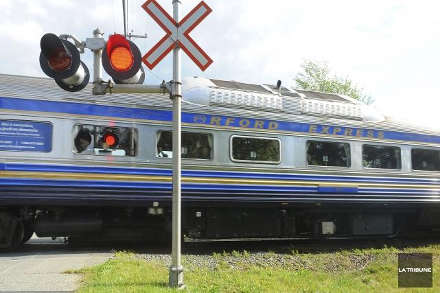 Le train touristique Orford Express pourra utiliser une... (Archives, La Tribune)