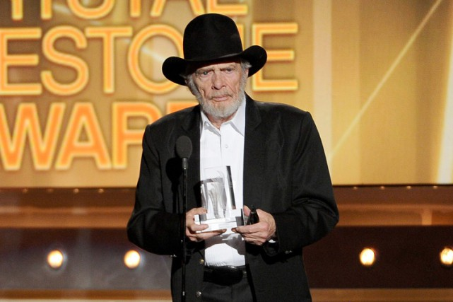 Merle Haggard en avril 2014.... (PHOTO AP)