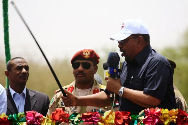 Omar el-Béchir est depuis mars 2009 sous le... (PHOTO ASHRAF SHAZLY, AFP)