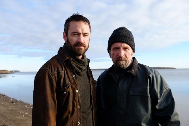 Sébastien Ricard (Jean-François/Yannick)et Roger Léger (Donald «Don» Moreau)... (PHOTO FOURNIE PAR ICI RADIO-CANADA)