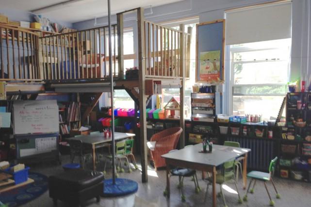 Des mezzanines avaient aménagées dans des écoles de... (Photo tirée de Facebook)