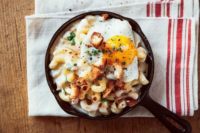 Une recette de macaroni au fromage Oka et... (PHOTO FOURNIE PAR NATREL)