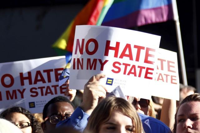 Des manifestants ont dénoncé cette semaine la loi... (AP, Rogelio V. Solis)