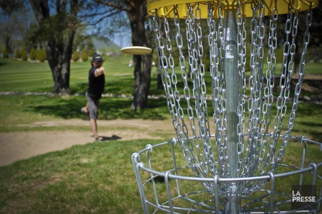 Un parcours de 18 paniers de disc golf... (Archives La Presse)