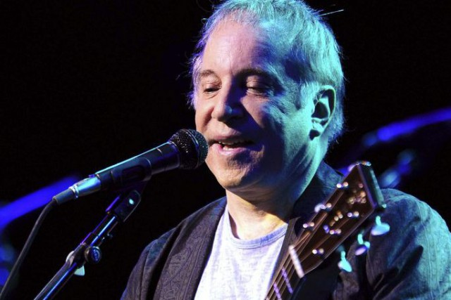 Paul Simon en spectacle dans le cadre du... (PHOTO ARCHIVES AFP)