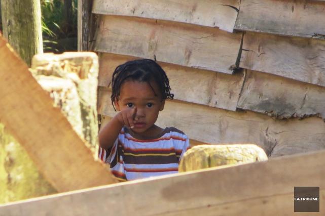 Dans le township de Knysna, en Afrique du... (La Tribune, Jonathan Custeau)