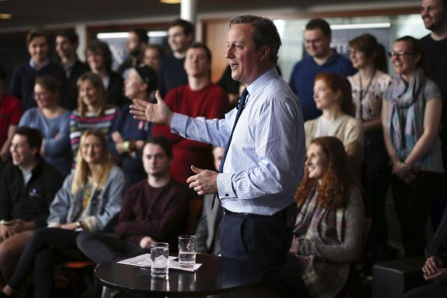 David Cameron a admis jeudi soirqu'il avait détenu... (AP, Dan Kitwood)