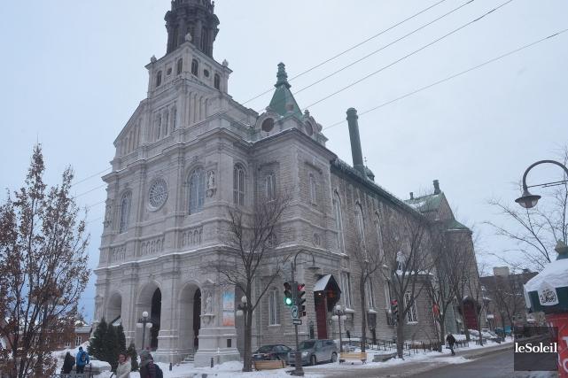 L'église Saint-Jean-Baptiste, construite en 1882, est fermée au... (Photothèque Le Soleil, Jean-Marie Villeneuve)