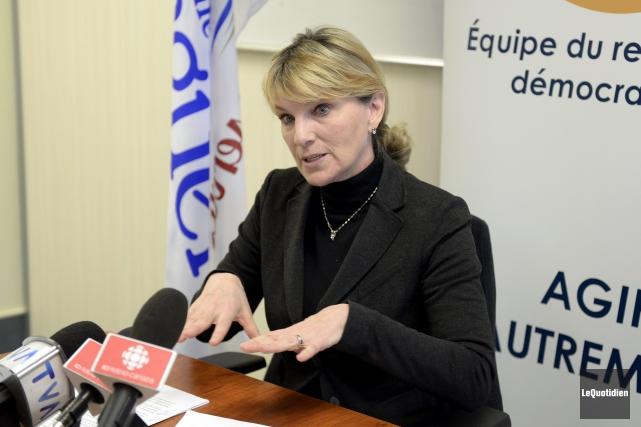 La conseillère et chef de l'ERD, Josée Néron,... (Photo Le Quotidien, Jeannot Lévesque)