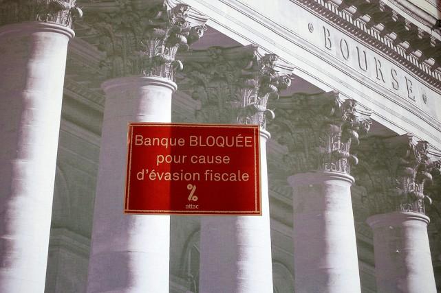 La Société générale de Paris est prise dans... (PHOTO FRANÇOIS MORI AP)