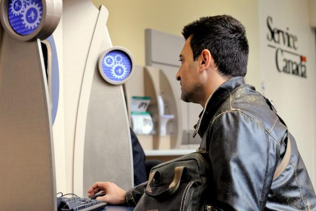 Un bond dans la création d'emplois au Canada a fait reculer le taux de chômage... (PHOTO ARCHIVES BLOOMBERG)