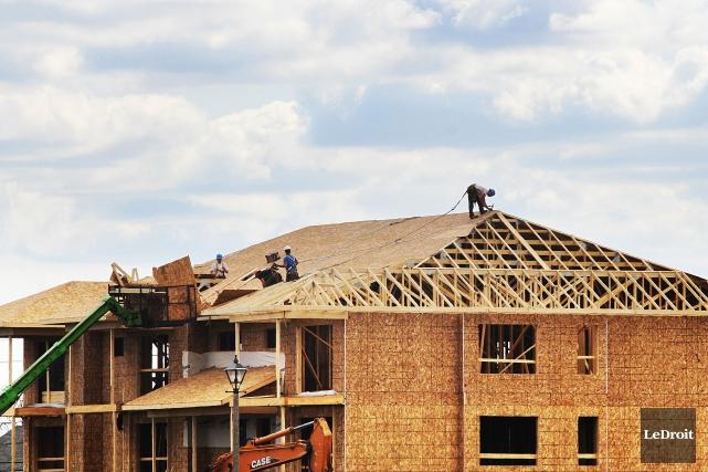 La cadence des mises en chantier d'habitations a diminué au Canada en mars, ce... (Photo Étienne Ranger, Archives Le Droit)