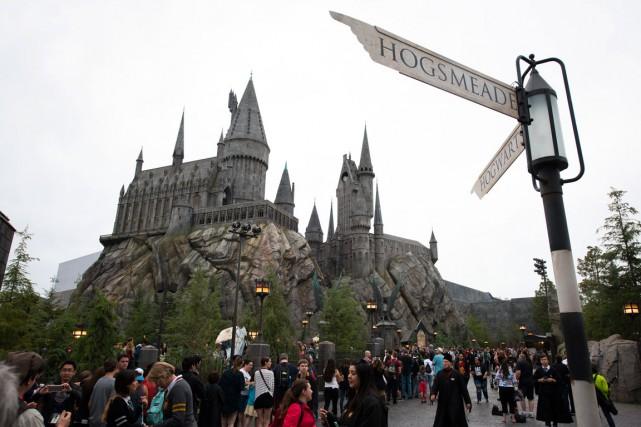 Les admirateurs peuvent depuis jeudi explorer le château... (PHOTO UNIVERSAL STUDIOS HOLLYWOOD)