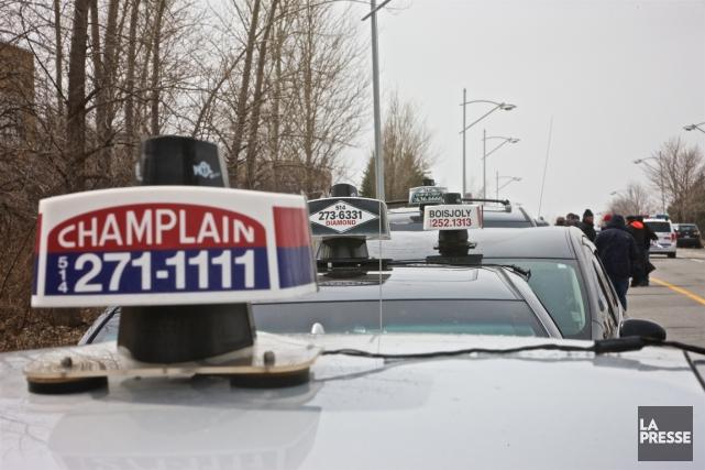 Les chauffeurs de taxi reprochent au gouvernement de... (PHOTO ANDRÉ PICHETTE, LA PRESSE)