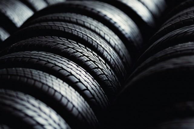 Une centaine de pneus entreposés dans un conteneur... (Photo 123RF)
