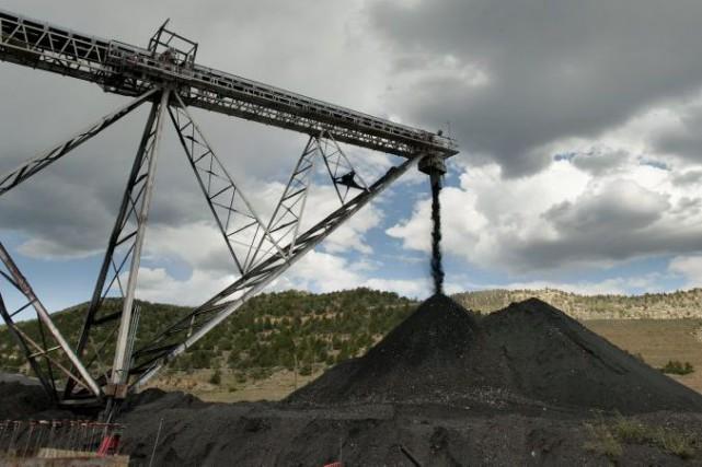 La baisse des coûts du du charbon, du... (Archives AP, Mark Reis)