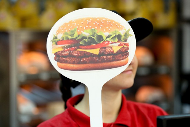 Un appel fait par un farceur a poussé les employés d'un Burger King du... (Photo d'archives Bloomberg)