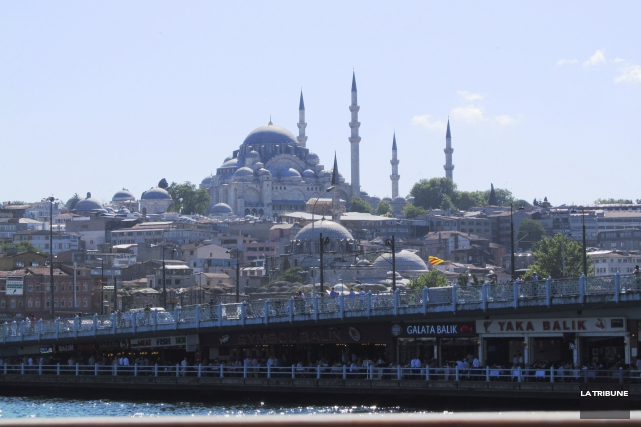 Trois personnes ont été blessées samedi à Istanbul dans l'explosion d'une bombe... (Photo Jonathan Custeau, Archives La Tribune)