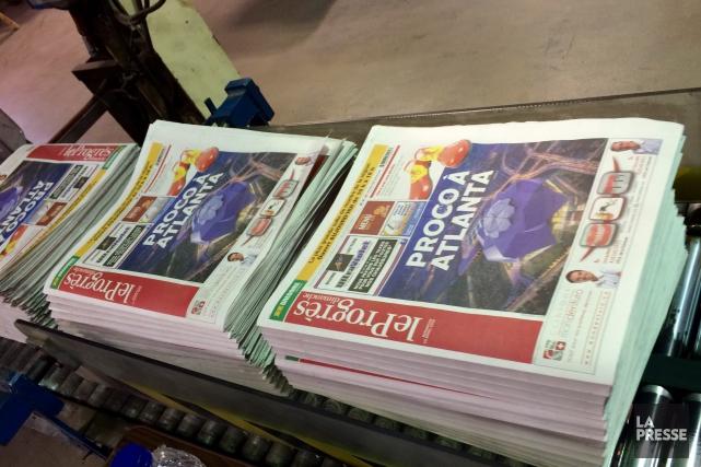 Un Progrès-Dimanche de 216 pages tiré à 91 927 exemplaires! (Photo Le Progrès-Dimanche, Jonathan Hudon)