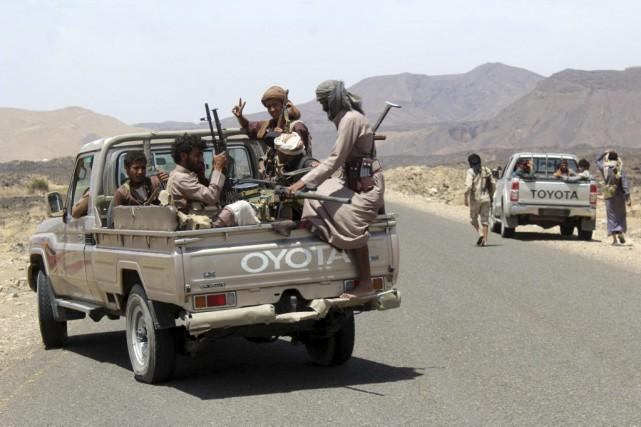 Des combattants loyaux au président Abd Rabbo Mansour... (PHOTO NABIL HASSAN, AGENCE FRANCE-PRESSE)