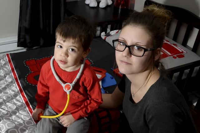Valérie Doucet et son fils Jacob.... (Sylvain Mayer)
