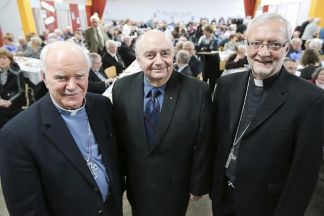 Monseigneur Martin Veillette, le pasteur François Donaldson et... (Andréanne Lemire)