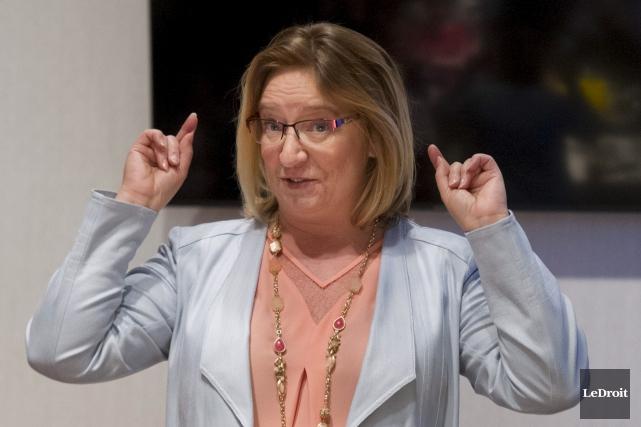 La conseillère Sylvie Goneau a voulu se lancer... (Martin Roy, LeDroit)