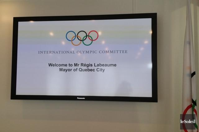L'arrivée de Régis Labeaume était soulignée dans l'entrée... (Collaboration spéciale, Le Soleil, Valérie Gaudreau)
