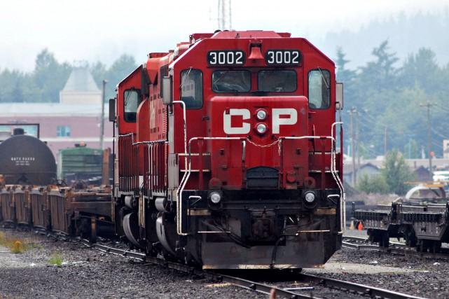 Les deux plus grands chemins de fer du Canada ont réglé un conflit juridique... (PHOTO ARCHIVES BLOOMBERG)