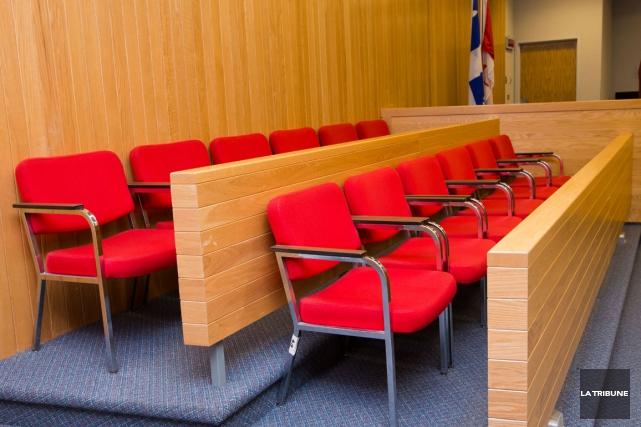 C'est un jury composé de sept femmes et cinq hommes qui sera chargé de... (Archives La Tribune, Jessica Garneau)