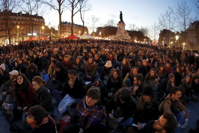 Le mouvement Nuit debout à laplace de la... (Photo Philippe Wojazer, Reuters)