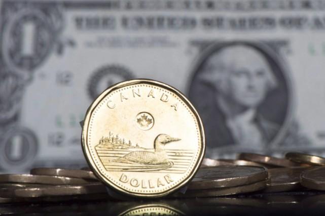 Le dollar canadien a grimpé lundi à son plus haut niveau depuis le début de... (PHOTO PC)
