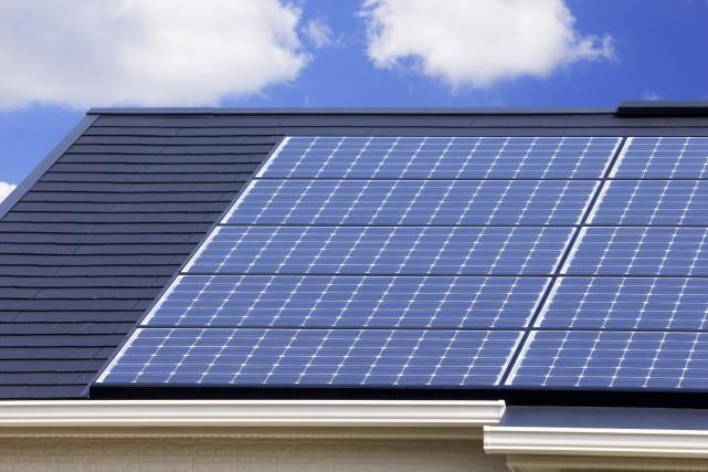 Utiliser l'énergie solaire est un moyen d'améliorer l'efficacité... (123rf, PaylessImages)