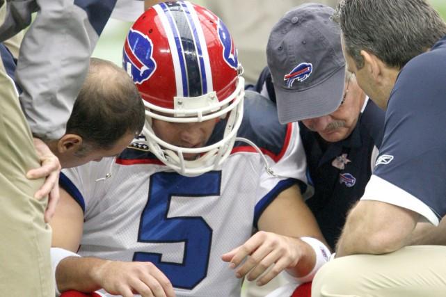 Trent Edwards, alors qu'il jouait pour les Bills,... (Photo AP)