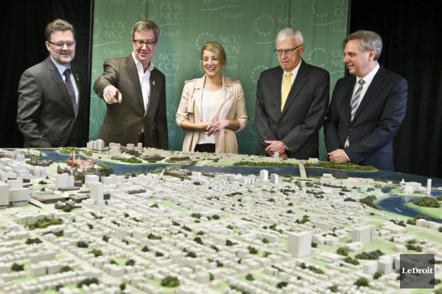 Les maires de Gatineau et Ottawa, Maxime Pedneaud-Jobin... (Martin Roy, LeDroit)