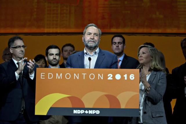 Dimanche, après avoir accusé le coup, M. Mulcair... (Jason Franson, La Presse Canadienne)