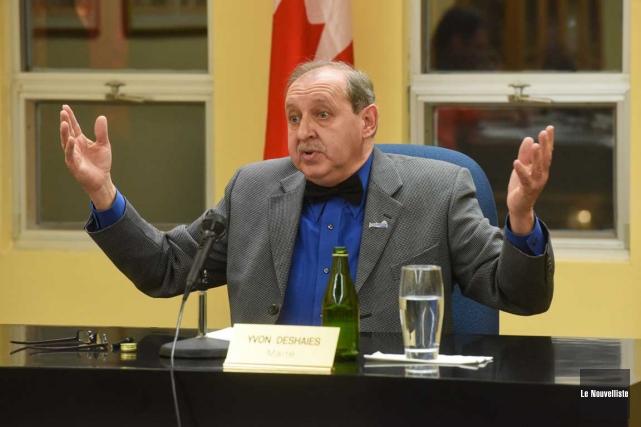 Le maire de Louiseville Yvon Deshaies demeure solidaire... (François Gervais, Le Nouvelliste)