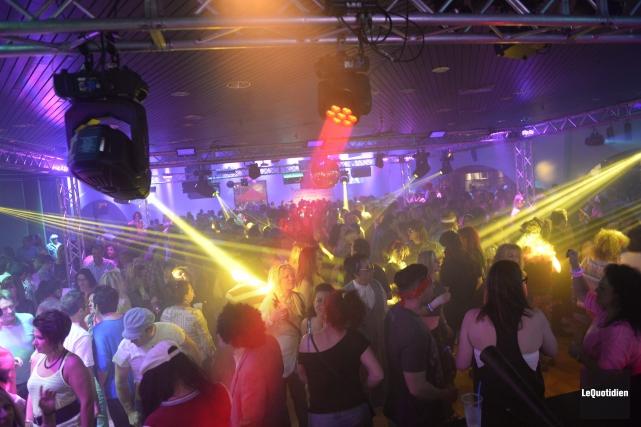 À 20h30, samedi soir, la piste de danse... ((Photo Le Quotidien, Jeannot Lévesque))