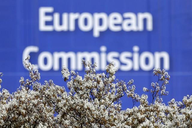 La Commission a appelé ses membres à discuter... (PHOTO REUTERS)