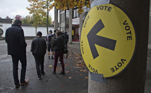 Les électeurs doivent pouvoir être engagés dans le... (PHOTO ANDY CLARK, ARCHIVES REUTERS)