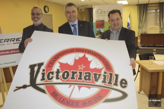 Le président du Championnat canadien Big League, Bernard... (La Tribune, Yanick Poisson)