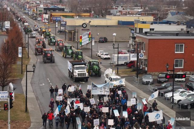 Lundi, la manifestation contre le lait diafiltré a... (Alain Dion, La Voix de l'Est)
