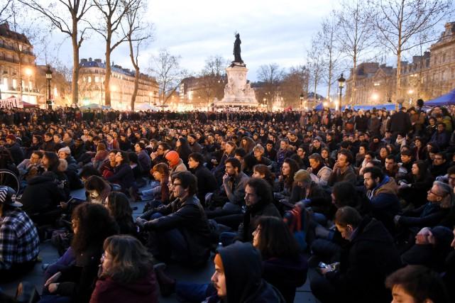 La place de la République était noire de... (Photo Eric Feferberg, Agence France-Presse)