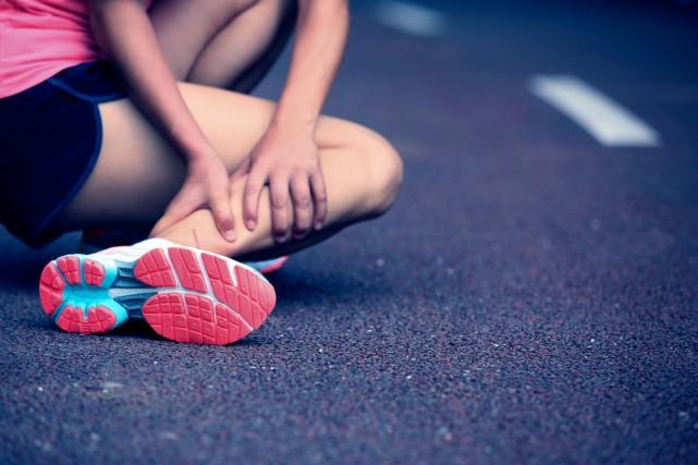 La crampe musculaire est terriblement douloureuse mais, heureusement,... (PHOTO THINKSTOCK)