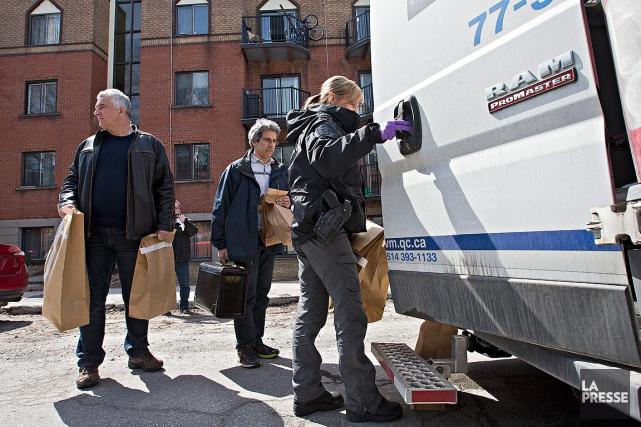 Le SPVM a perquisitionné le logement du suspect... (PHOTO PATRICK SANFAÇON, LA PRESSE)