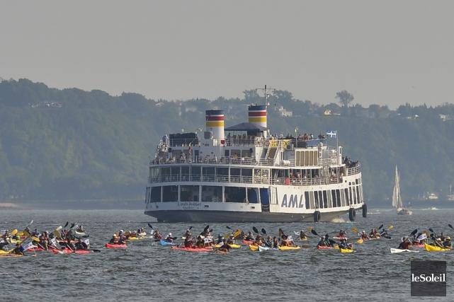 Nous étions quelque 140 pagayeurs sur le fleuve... (Photothèque Le Soleil, Yan Doublet)